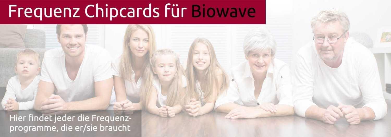 Die Vielfalt einer Dreigenerationen-Familie symbolisiert, dass man die Chipkarten für Biowave Zapper von jung bis alt verwenden kann